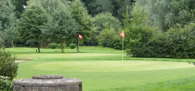 shortgolfbaan-hole-1-en-13